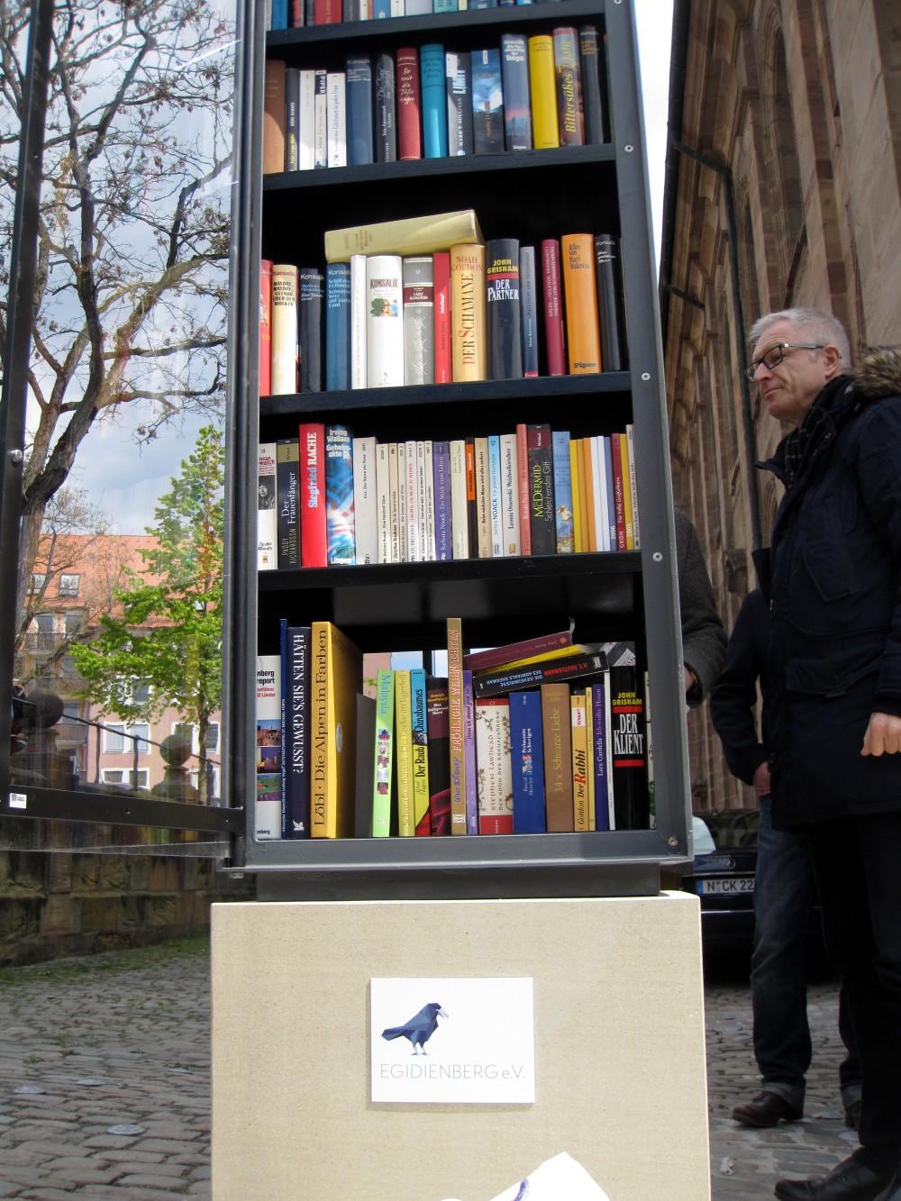 Öffentlicher Bücherschrank — Egidienberg — Im Verein die alten ...